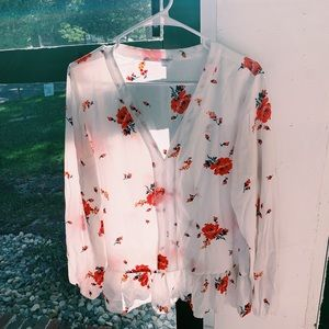 cute blouse!!